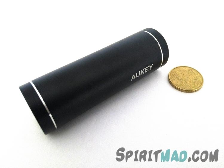 test aukey batterie externe 5000mah spiritmad. Black Bedroom Furniture Sets. Home Design Ideas